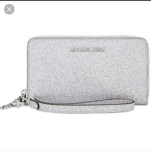 NWT Michael Kors Grey Wallet with wristlet